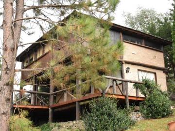 Casa en 2 plantas con pileta