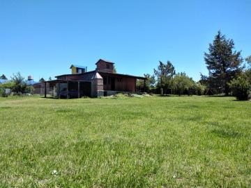 Casa con amplio parque 1.500m2 de  hermosa vista a las Sierras